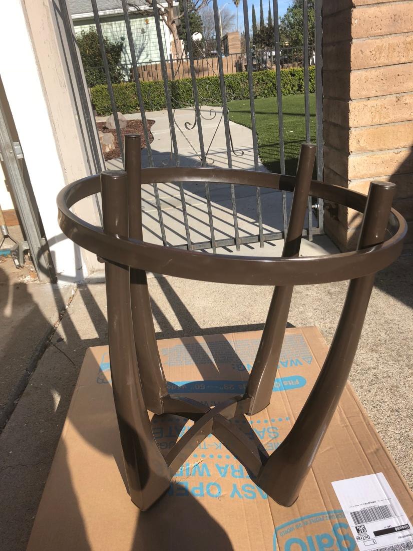 Metal Table (before)